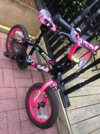 Girls 14inch bike (with or without stabilisers)