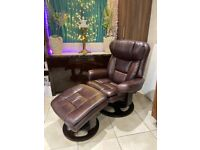 Relaxateeze Amarone Deluxe Swivel Chair with Footstool