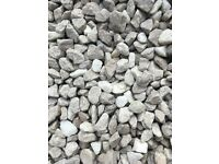 Approx 1/2 - 1 tonne decorative aggregate (gravel) Cotswold buff