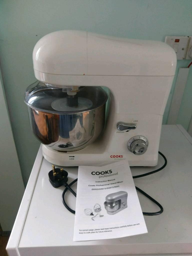 Cooks food mixer