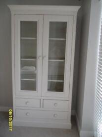 Willis & Gambier Winchester Range Large Display Cabinet