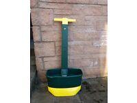Evergreen Lawn Fertiliser spreader
