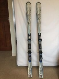 163 cms Saloman Ladies Skis