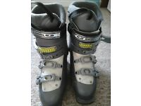 Saloman ski boots. Fit 5/6. Used but great condition. Few scuffs but no rips, tears etc