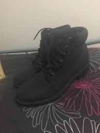 Black Size 6 women's boots