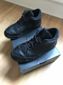 Kids Jordan Trainers size 2 boxed Exc cond
