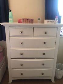 Sturdy Bonavita 6 drawers Chest of Drawer-White