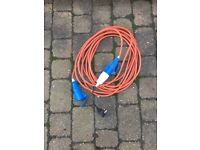 Electric cable with male and female connector for caravan or motorhome