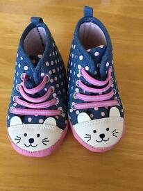 Baby Bunny shoes 12-18 Months
