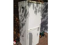 WHIRLPOOL FRIDGE FREEZER IN VERY GOOD USED CONDITION FREE LOCAL DELIVERY IS POSSIBLE 07486933766