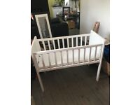 Excellent condition white baby crib
