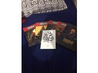 Hellboy comics with signed Duncan Fegredo card!