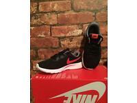NikeTanjun UK Kids Size 12.5 Brand New Trainers