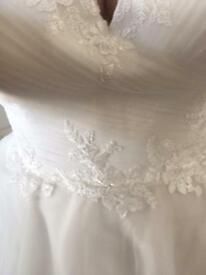 Wedding dress fit size 18/20