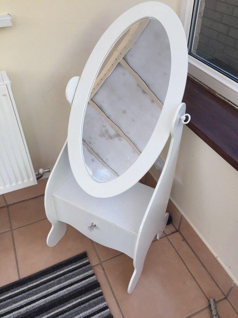 White children's mirror with draw