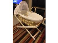 Moses basket with foldable white stand