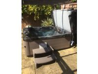 Joli Hot tub, super powerful, full body jets, pneumatic lifter, less than a year old, £7000 new!!