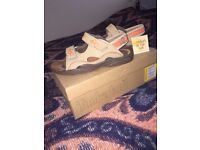MINT CONDITION TIMBERLAND SANDALS SIZE 5.5 WITH BOX AND TAGS