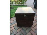 Solid wood storage chest