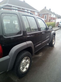 cherokee 2.5 sport jeep very good runner,.Black.spacious.