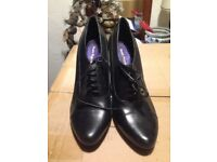 Ladies real leather shoes