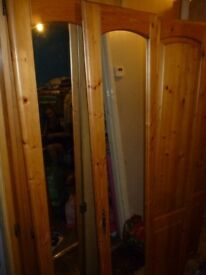 LARGE ANTIQUE PINE 4 DOOR WARDROBE WITH 2 MIRRORS DOORS