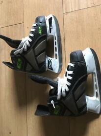 Ice hockey boots size 1