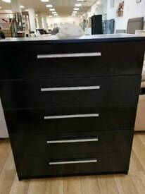 Black sparkle chest of drawers 5 drawers slight damage on side (see pics)