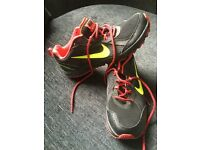 Nike trainers size 7 (never worn)