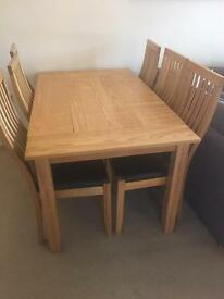 Pine table and 6 chairs- excellent condition