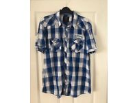 Men's short sleeved shirt- size large