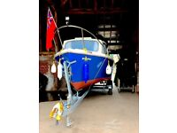 19ft 4 berth Original Fairline Motor Boat, Mariner Outboard & galvanised trailer