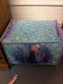 Frozen dressing up box