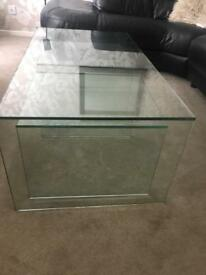 Glass nest of coffee tables