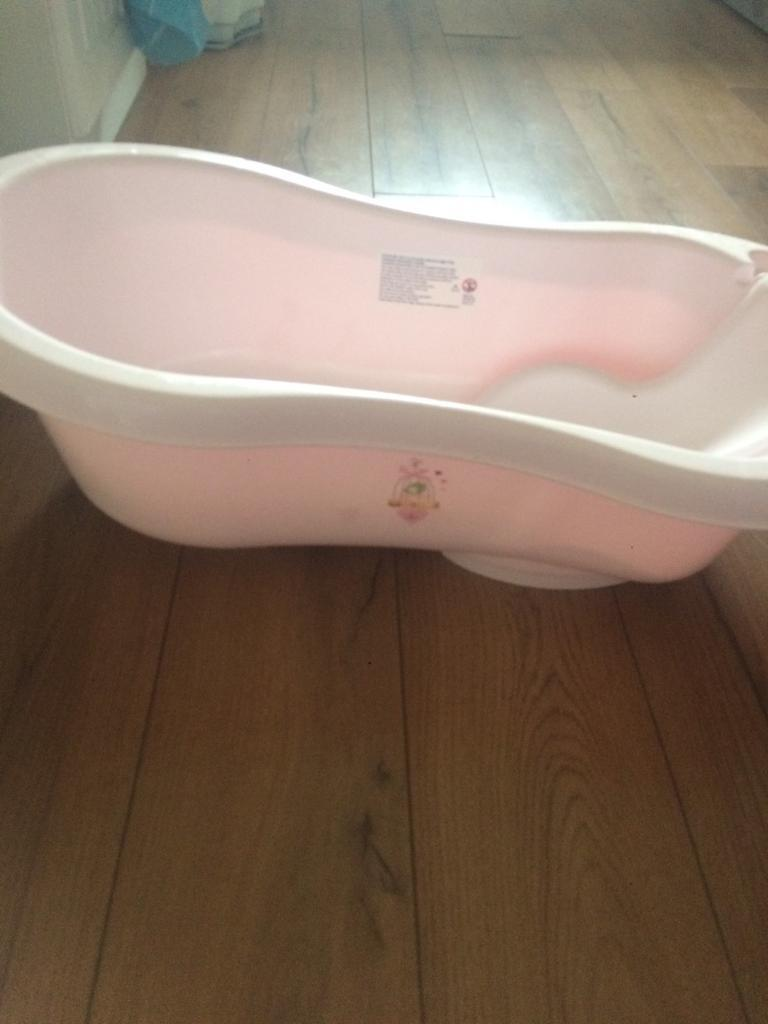 Pink baby bath set | in Treharris, Merthyr Tydfil | Gumtree