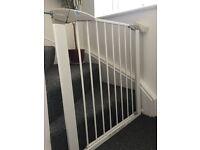 Baby stair safety gate LINDAM