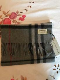 Burberry scarf new