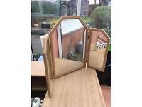 Triple mirror for dressing table