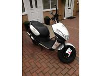 Peugeot kisbee street zone 50cc 2015 scooter good condition