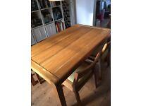 Habitat Radius : Dining table + bench + two chairs