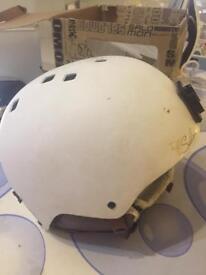 Ski / Snowboard helmet