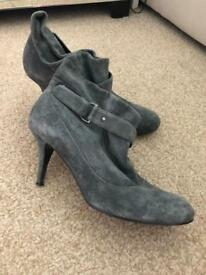 Topshop ankle boots size 7 suede