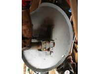 1 old Sky dish, the mounting rusted away so it was changed but the dish and LNB might be salvageable