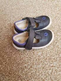 Clarks baby shoes size 4E