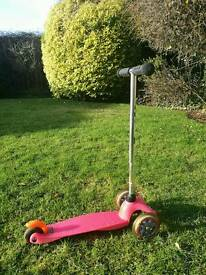 Girls pink micro scooter