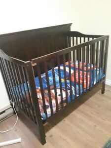 Crib/Toddler bed and Dresser/Changing table