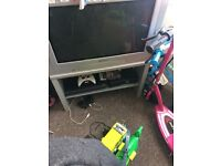 Free 28inch tv with stand