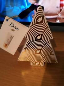 BRAND NEW TUBE OF DOVE BODY LOTION IN CHRISTMAS TREE GIFT BOX