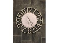 BEAUTIFUL LARGE WALL CLOCK !!