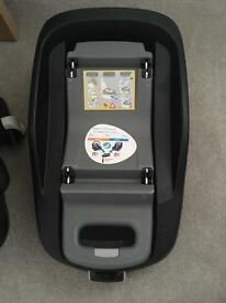 Maxi Cosi pebble car seat and maxi cosi family fix isofix
